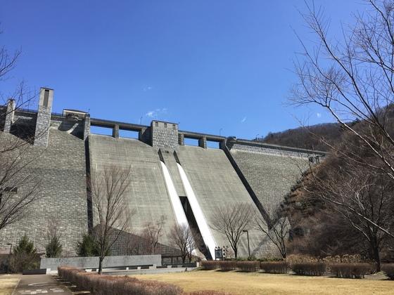 四万湖ダム。日本ファルコムっぽい